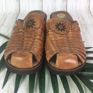 Earth Spirit Woven Leather Clog Sandal Size 11